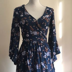 Floral American Eagle wrap dress!
